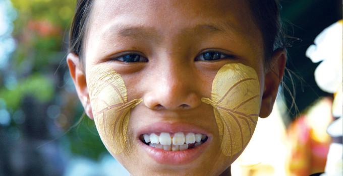 Voyage en Birmanie : Découvrez le thanaka!